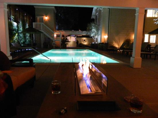 Fess Parker Wine Country Inn: Pool at Night