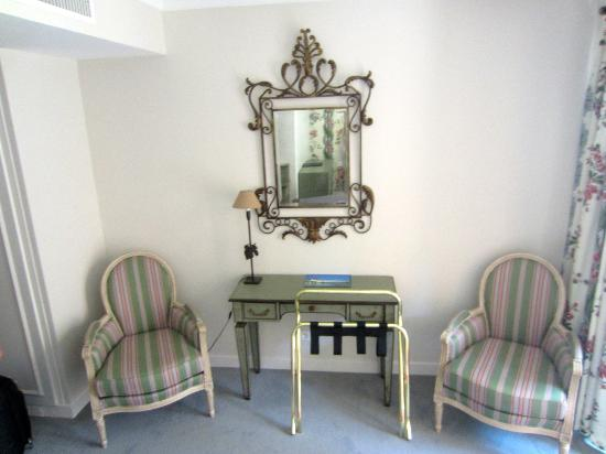 Najeti Hotel Valescure: Interior of the room