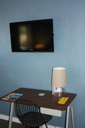 Blue Star Motel: Room