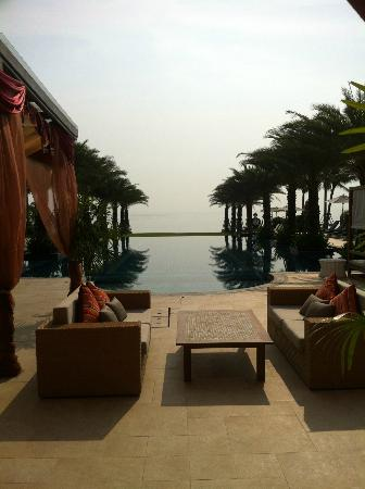 Marrakesh Hua Hin Resort & Spa: สระว่ายน้ำของโรงแรม