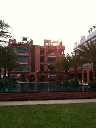 Marrakesh Hua Hin Resort & Spa: มุมมองจากชายหาด