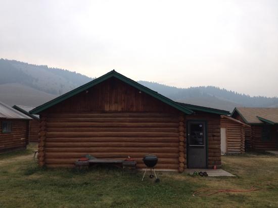 Salmon River Cabins & Motel: cabin