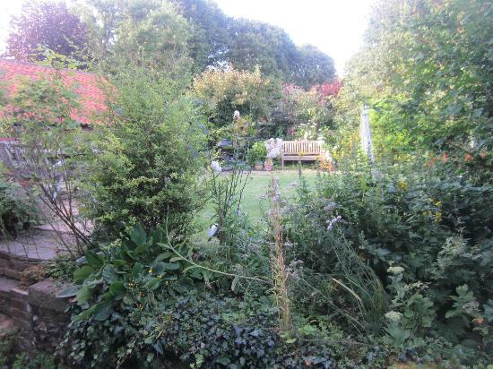 Baileygate Bed & Breakfast: lovely garden