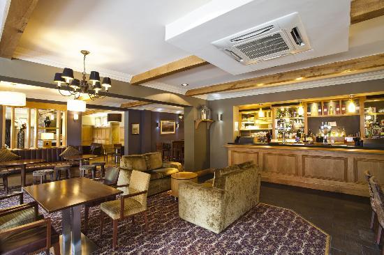 Bridge Restaurant and Bar 1815: Bar 1815