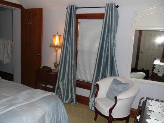 Old Port Bed & Breakfast: Royal Alex Suite