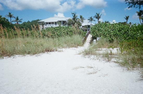 Sanibel Cottages Resort: Beautiful Beach