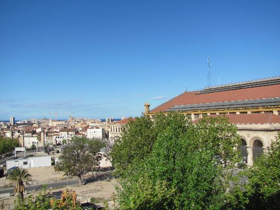 Ibis Marseille Centre Gare Saint-Charles: Blick aus dem Fenster
