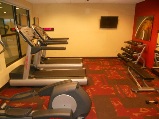Courtyard Medford Airport: Fitness center