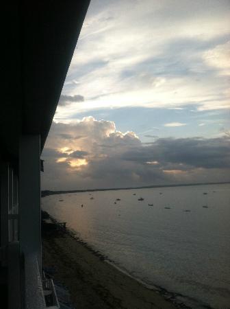 سيرفسايد هوتل آند سويتس: Sunrise