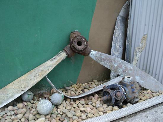 Davidstow Airfield & Cornwall At War Museum: Aircraft parts trawled up from the sea by Cirnish fishermen.