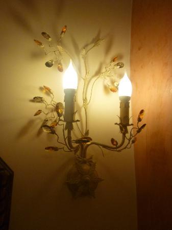 Art Maisons Luxury Santorini Hotels Aspaki & Oia Castle: Room touches 