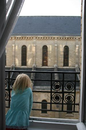 Kyriad Paris - Clichy Centre: viev from room