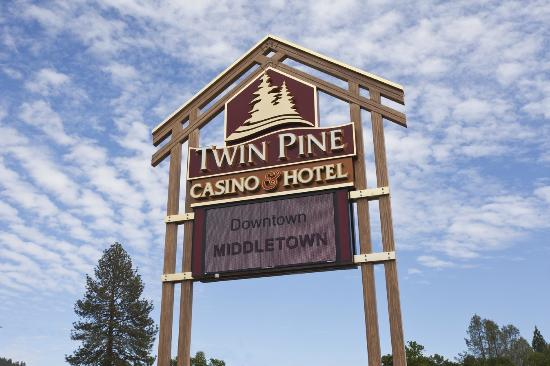 Twin Pine Hotel : OPen 24 hours