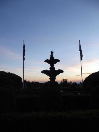Shrigley Hall Hotel, Golf & Country Club: view from front of hotel evening