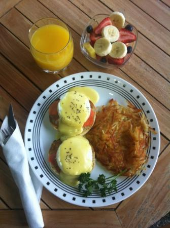 Beachcomber B&B: Delicious breakfast!