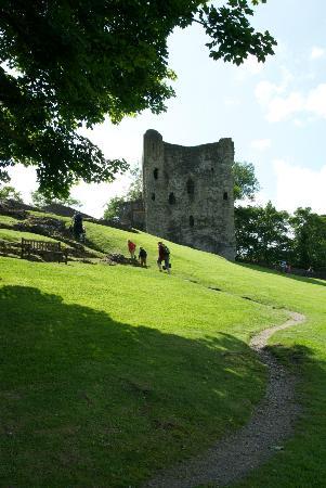 Peveril Castle: The castle remains