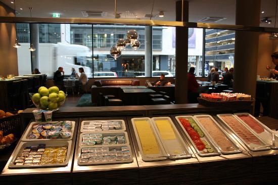 Motel One Stuttgart-Hauptbahnhof: Breakfast choice