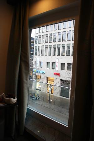 Motel One Stuttgart-Hauptbahnhof: View from room window