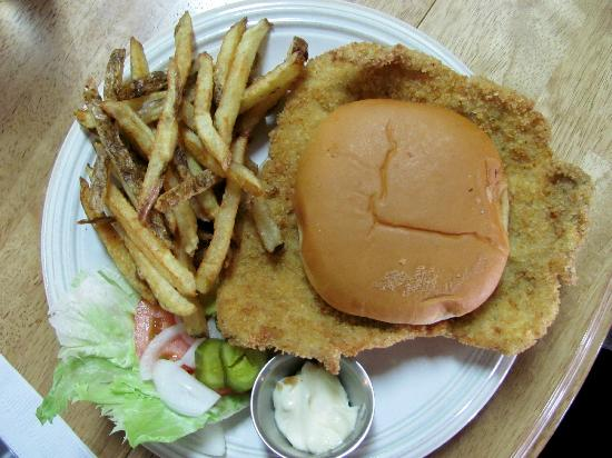 Vandalia, MO: Tenderloin & hand cut fries....=)~