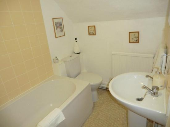 The Phelips Arms: Bathroom