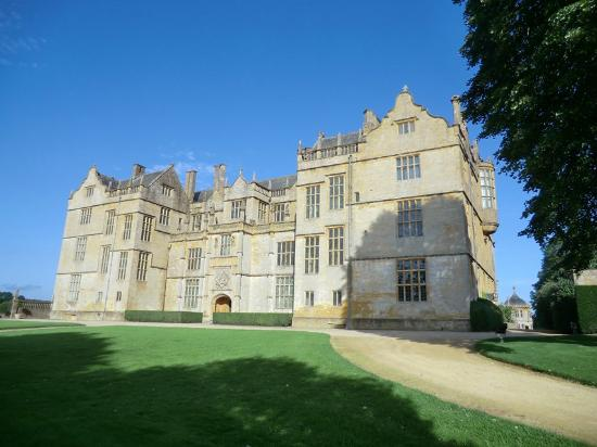 The Phelips Arms: Montacute House is just around the corner