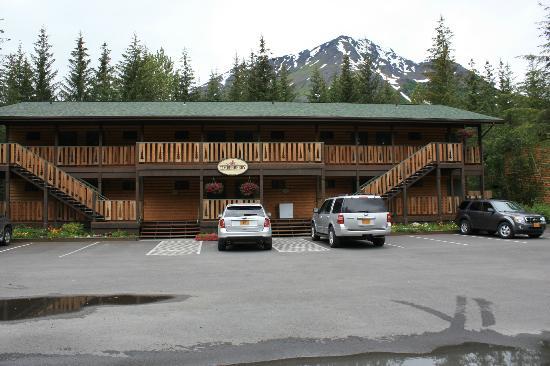Seward Windsong Lodge: hotel building