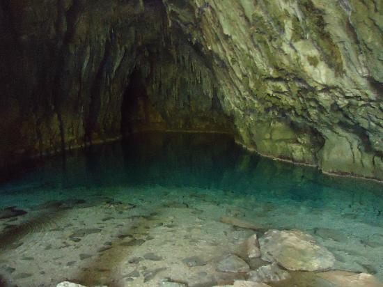 Choranche, Frankrike: grotte