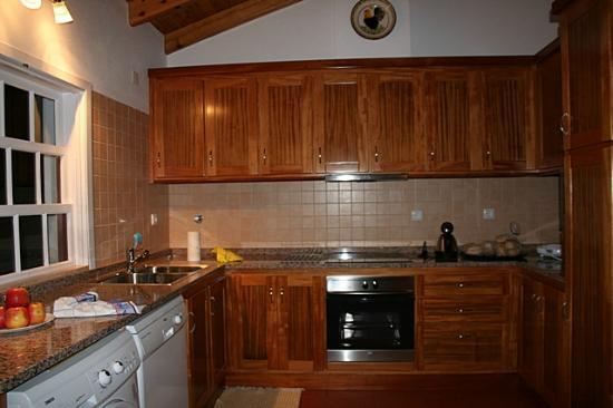 Quinta das Figueiras: Kitchen