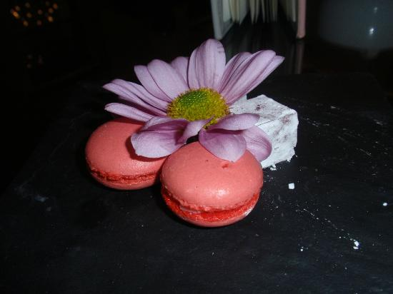 The Cellars-Hohenort: Macaroons & Turkish Delight - served with the Coffee