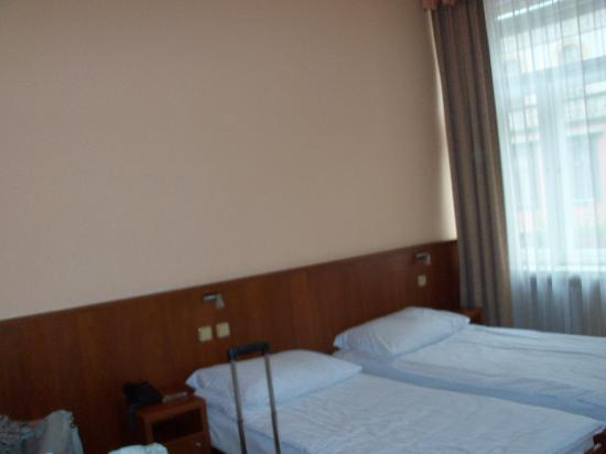 Hotel Atlantic: la spaziosa stanza da 3