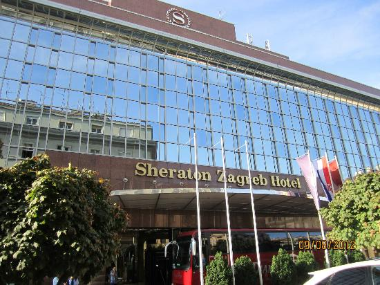 Restaurant picture of sheraton zagreb hotel zagreb for Hotels zagreb