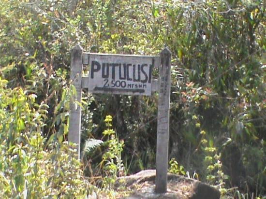 Putucusi Mountain: Putucusi,2500m d'altitude,