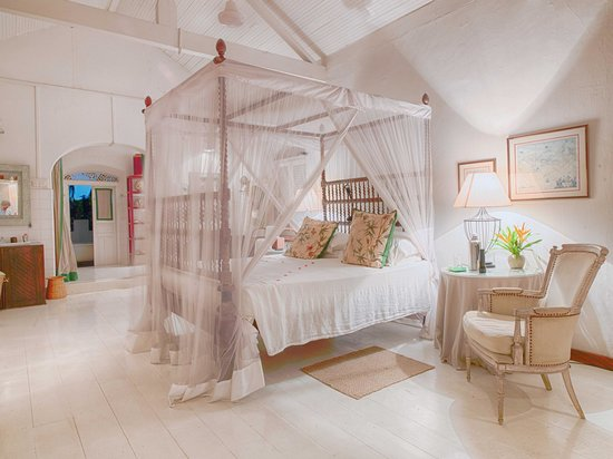 The Sun House: The bedroom