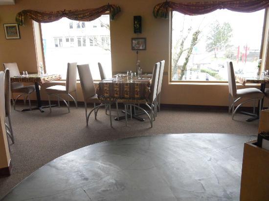 Baan Thai Restaurant: Good Layout and Service