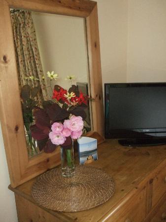 West Barn B&B: Garden cut flowers in your room