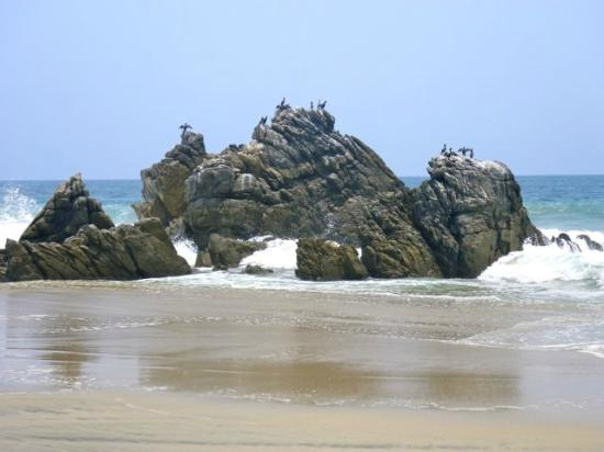 Hotel Las Olas : Wonderful rock formations
