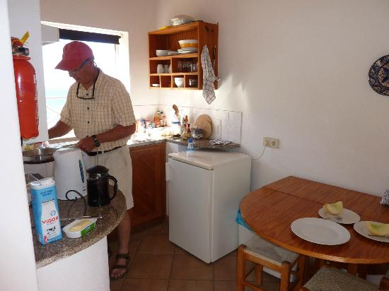 Pension A Mare Bed & Breakfast: Kitchen