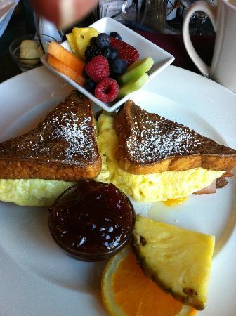 سبوكين كلوب إن: Breakfast Cristo 