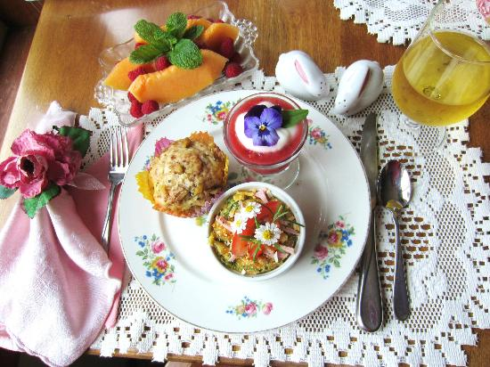 Farmhouse Bed & Breakfast: Beautiful breakfast