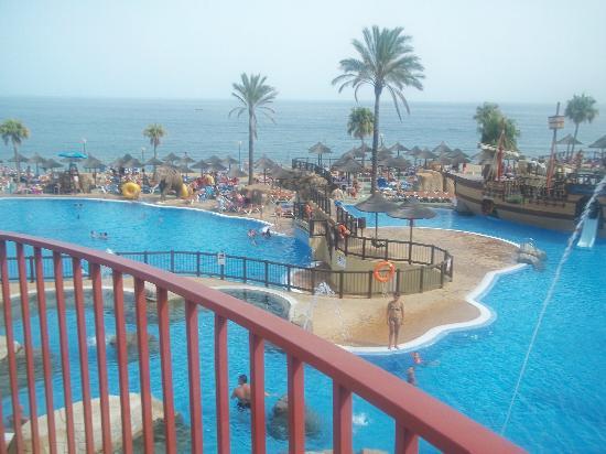 Holiday Palace : Beach club