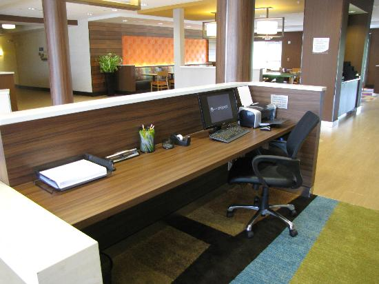 Fairfield Inn & Suites Montgomery Airport South: Business center