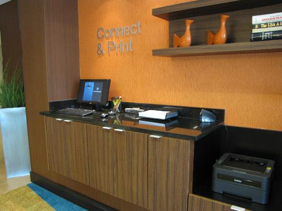 Fairfield Inn & Suites Montgomery Airport South : Business center