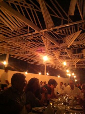 Phos Mykonos Restaurant: la pergolata design