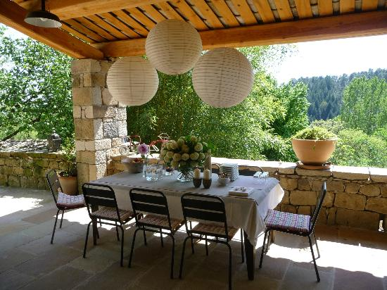 Le Domaine Fayet: terrasse