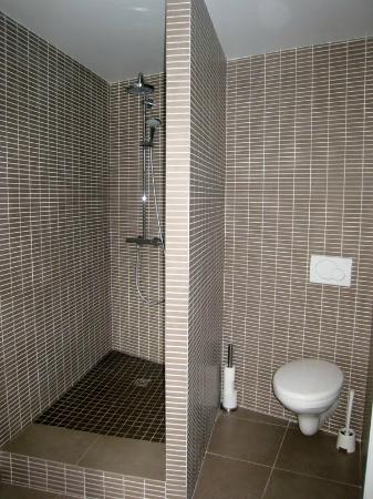 Douche l 39 italienne photo de hotel le collonges brive for Douches a l italienne photos