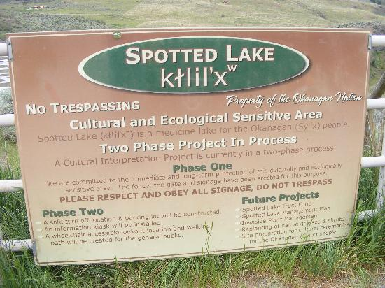 Osoyoos, Kanada: Spotted Lake Gate Sign