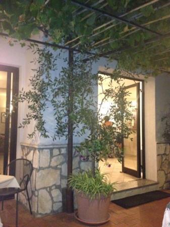 Hotel Ristorante La Gioiosa : ingresso locale