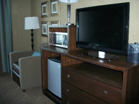 Holiday Inn Express Hotel & Suites Logan: Flat-screen t.v., microwave and mini-fridge