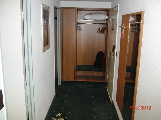 Leonardo Hotel Hamburg City Nord: Eingang Suite