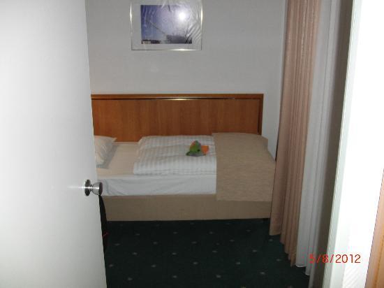 Kinderschlafzimmer mit Fernseher - Picture of Leonardo Hotel ... | {Kinderschlafzimmer 7}